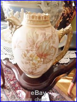 Royal Doulton Burslem 1886-1902 handpainted jug, floral decoration face spout8