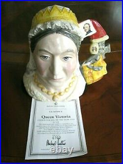 Royal Doulton Queen Victoria Character Jug of the Year 2001 D7152 Mint withCOA
